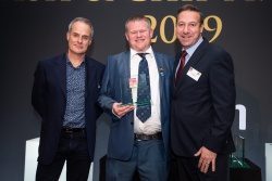 NFFF President receives Outstanding Achievement Award at the National Fish & Chip Awards 2019